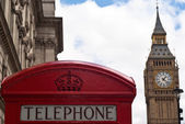 Red telephone box and Big Ben in London — Stock Photo