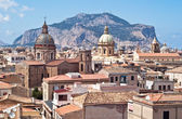 View of Palermo with old houses and monuments — Stockfoto