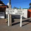 Stock Photo: Australistate border road sign