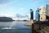 Lion fontain monument city center Singapore — Stock Photo