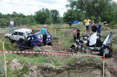 Accident on the Russian championship trophy raid among SUVs, ATVs and motorcycles — Stock Photo
