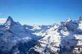 Paisaje de invierno hermosa en suiza — Foto de Stock