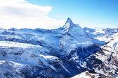 Зимний пейзаж с Matterhorm горы зимой — Стоковое фото