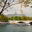 Bateau mouche and Grand Palais, Paris. — Stock Photo