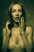 Garota da camiseta molhada — Foto Stock