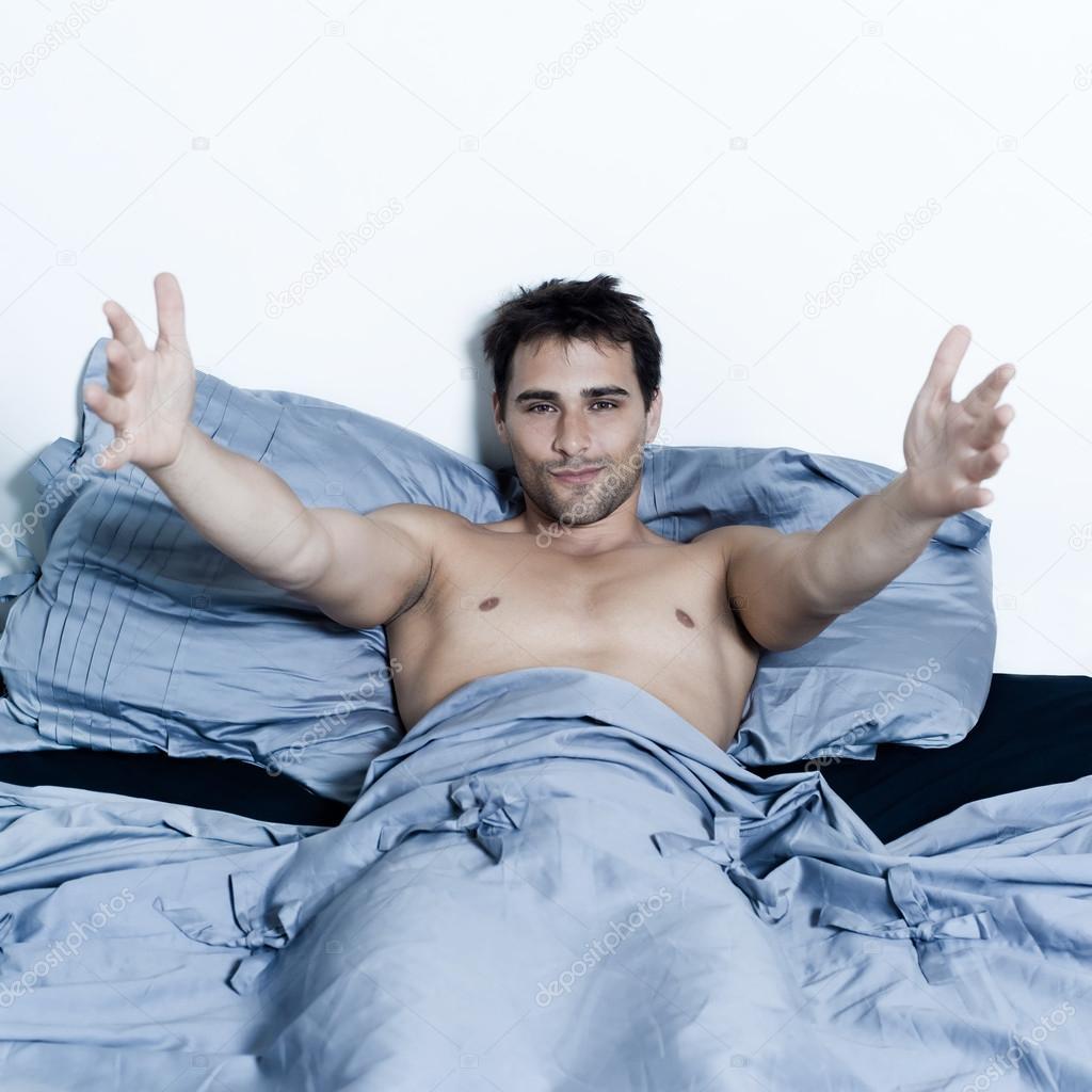 С двумя мужчинами в кровати 25 фотография