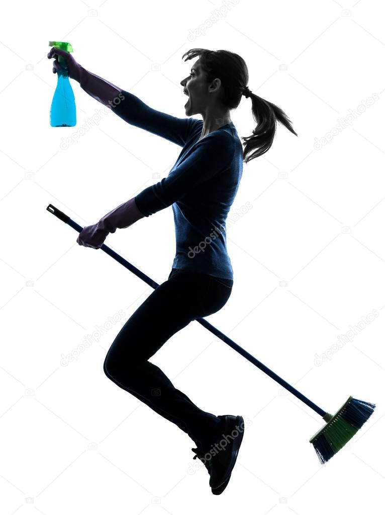 une poussire de femme de chambre femme caucasien nettoyage balai volant en studio silhouette isol sur fond blanc image de stylepics