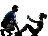 Kobieta mężczyzna ćwiczeń fitness trening brzucha — Zdjęcie stockowe