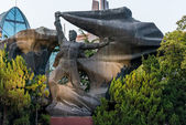 Revolutionary hero statue on the bund shanghai china — 图库照片
