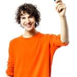 年轻人快乐持有信用卡的肖像 — 图库照片