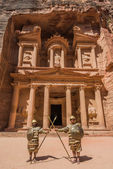 Al Khazneh or The Treasury in nabatean city of petra jordan — Stock Photo