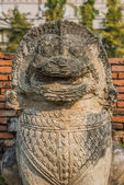 Lion statue Wat Thammikarat temple — Stock Photo