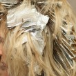 Woman in hair salon — Stock Photo #20537927