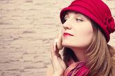 Hezká mladá žena tvář pudry — Stock fotografie