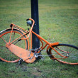 Orange retro bicycle — Stock fotografie