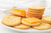 Cheese and crackers — Stock Photo