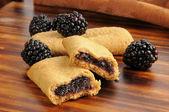 Blackberry filled breakfast bars — Stock Photo