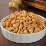 Bowl of peanuts — Stock Photo