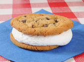 Cream filled chocolate chip cookie sandwich — Stock Photo