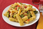 Chicken on rigatoni — Stock Photo