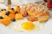 Gourmet breakfast — Stock Photo