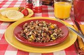 Sałatka zdrowe czerwony quinoa — Zdjęcie stockowe