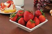Fresh strawberries with shortcake — Stock Photo