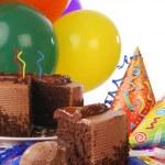Chocolate birthday cake — Stock Photo #31512927