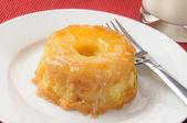 Pinapple upside down cake — Stock Photo