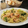 Shrimp linguini — Stock Photo