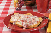 Chipped beef on toast — Stock Photo