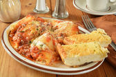 Stuffed pasta shells — Stock Photo