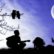 Man sings a serenade — Stockfoto