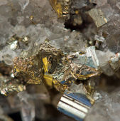 Crystal,nugget, gold, bronze, copper, iron. Macro. Extreme close — Stock Photo