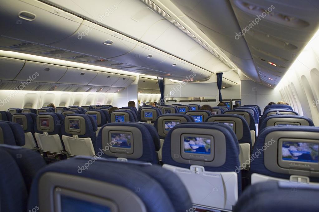 Interni di aereo di linea jet foto stock tomfawls for Avion jetairfly interieur