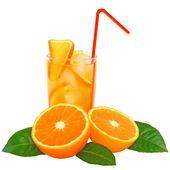 коктейль с апельсиновый сок и кубики льда — Стоковое фото