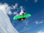Snowboarder in the sky — 图库照片
