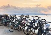 велосипеды на пирсе — Стоковое фото