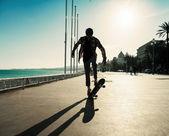 Silhouette of skateboarder — Stock Photo
