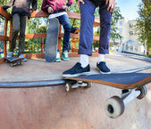 Skateboarders in skatepark — Stock Photo