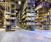 Nieuw en modern magazijn — Stockfoto