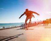 Freerider snowboarder moving down — Stock Photo