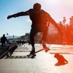 Silhouette of skateboarder — Stock Photo #28435911