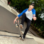 Skateboarder in the skatepark — Stock Photo #44946907