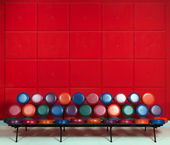 Banc en métal coloré — Photo