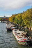 Seine river and beautiful boats — Stock Photo