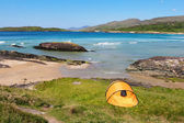 Tent in Ring of Kerry coast — Stock Photo