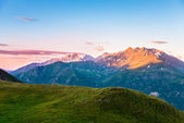 Beautiful morning over mountains — Stock Photo
