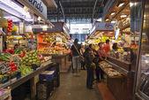 バルセロナ、スペインのボケリアを市場します。 — ストック写真