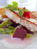 Pikeperch fillet with asparagus beets ragout and potatoes — Stock Photo